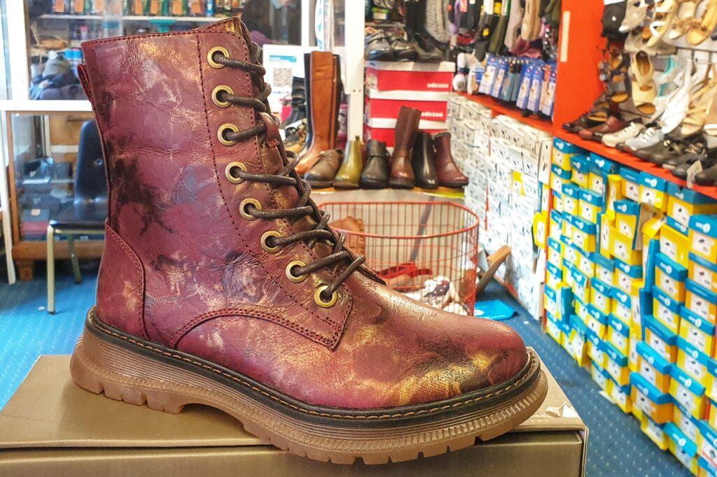 burgundy mid length boot