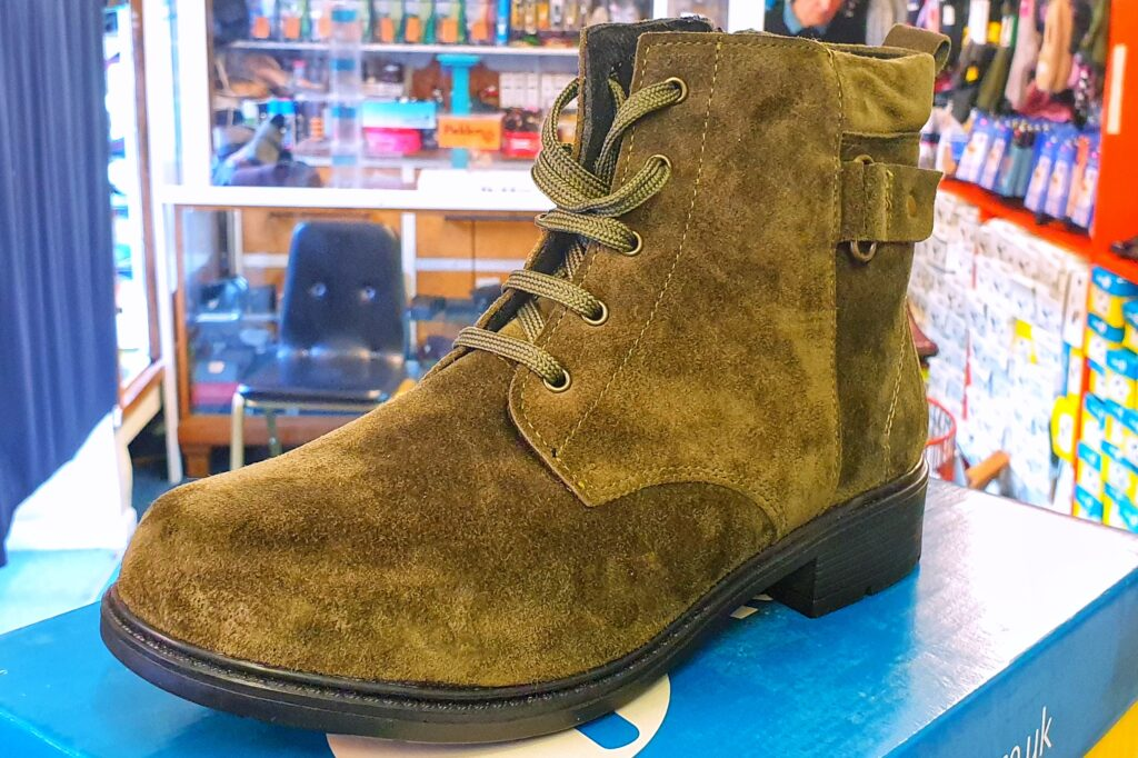 Green wide lace boot