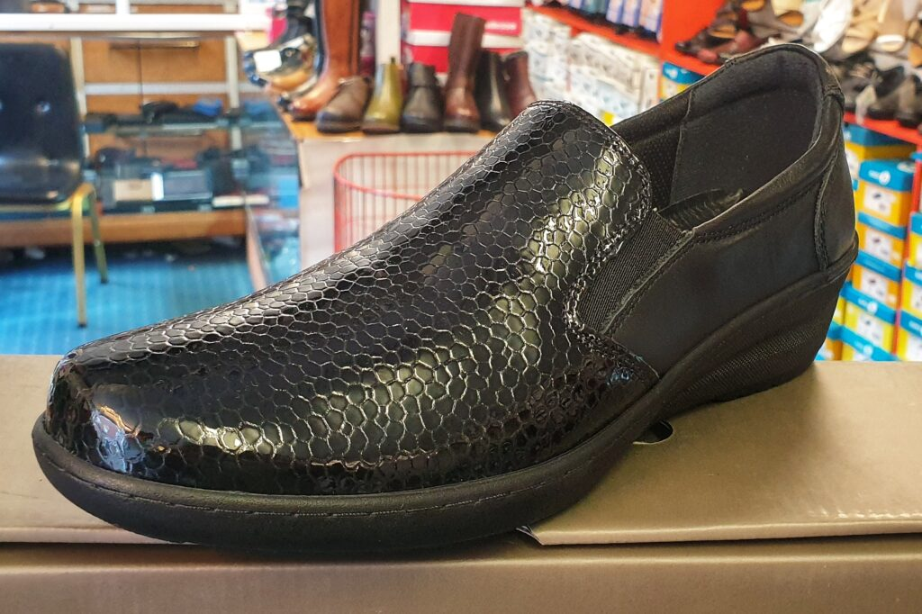 Soft Genuine Leather Black High Fronted Shoe